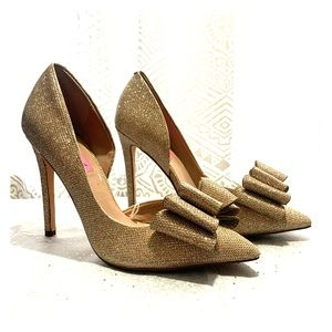 Sparkly Gold D'orsey Pumps